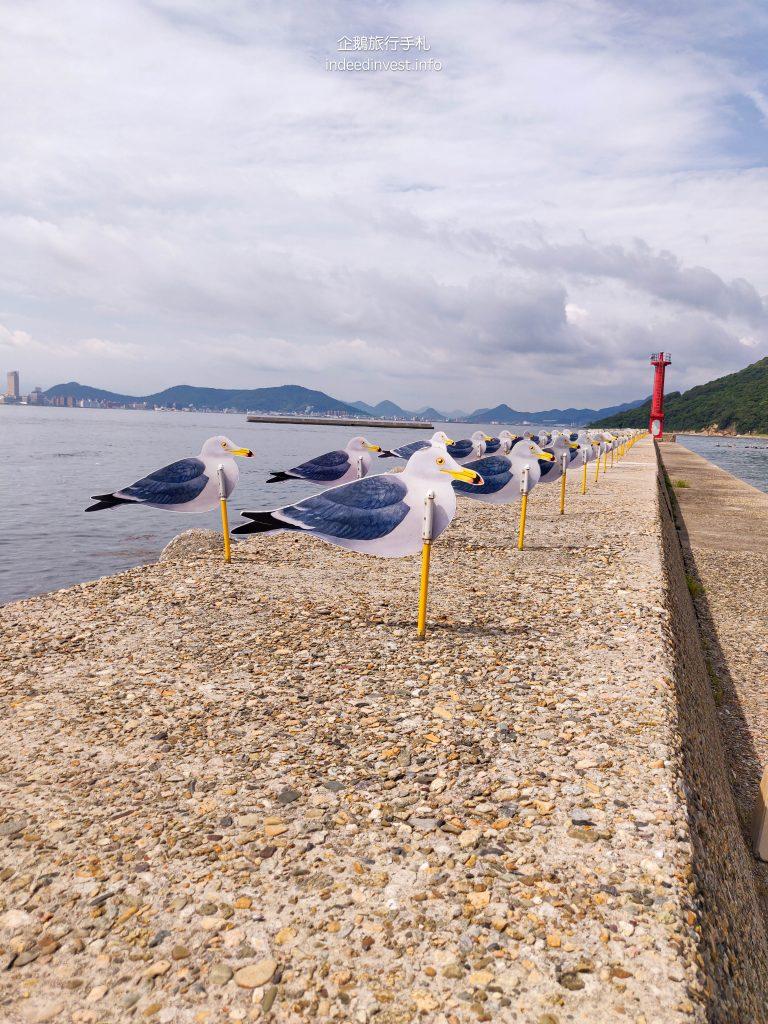 seagull-parking-lot-megi-island-1