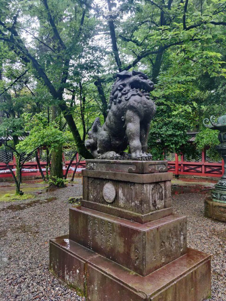 statue-in-temple