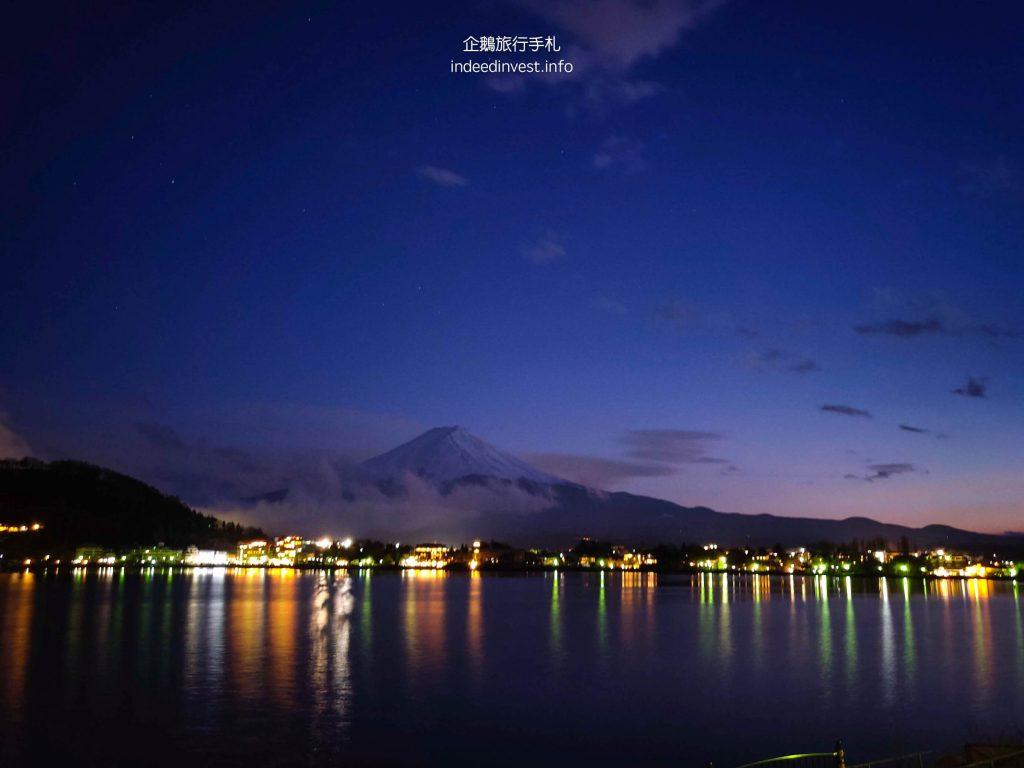 night-fuji-mountain-kawaguchi-lake-1