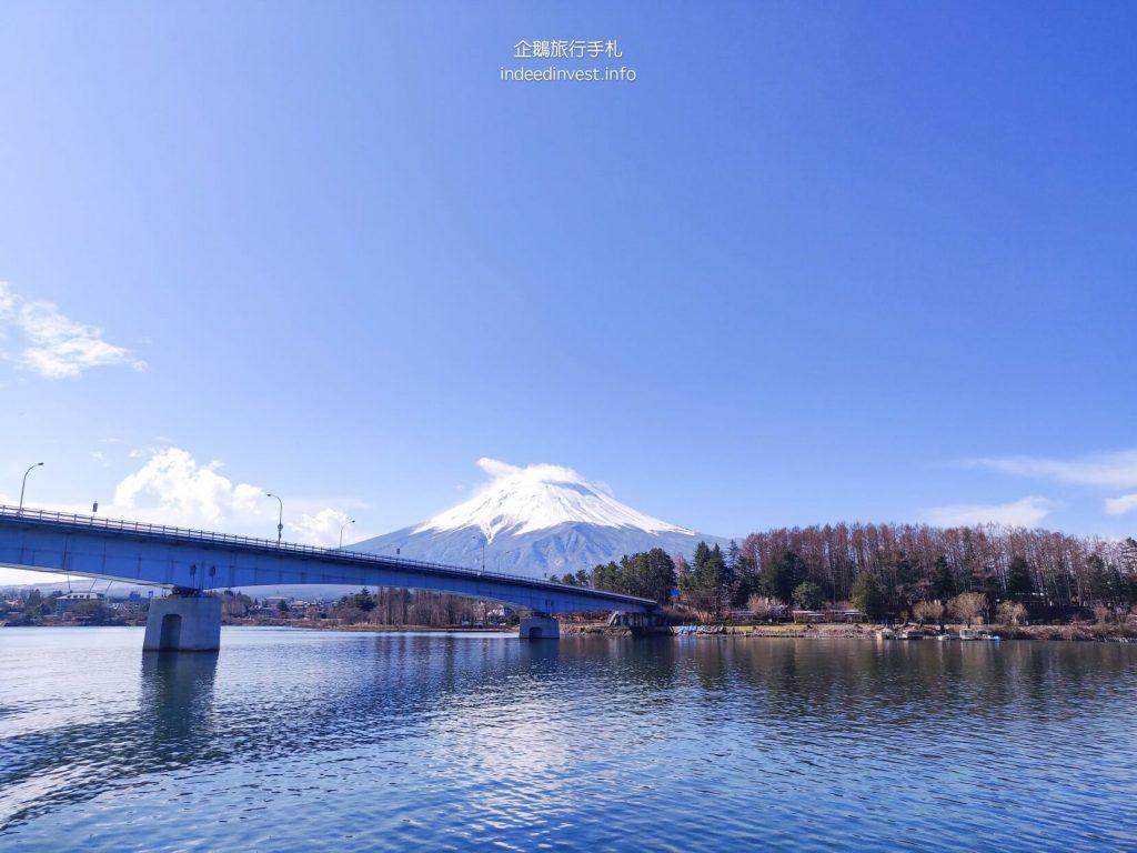 fuji-mountain-Ensoleille-boat-bridge-kawaguchi-lake