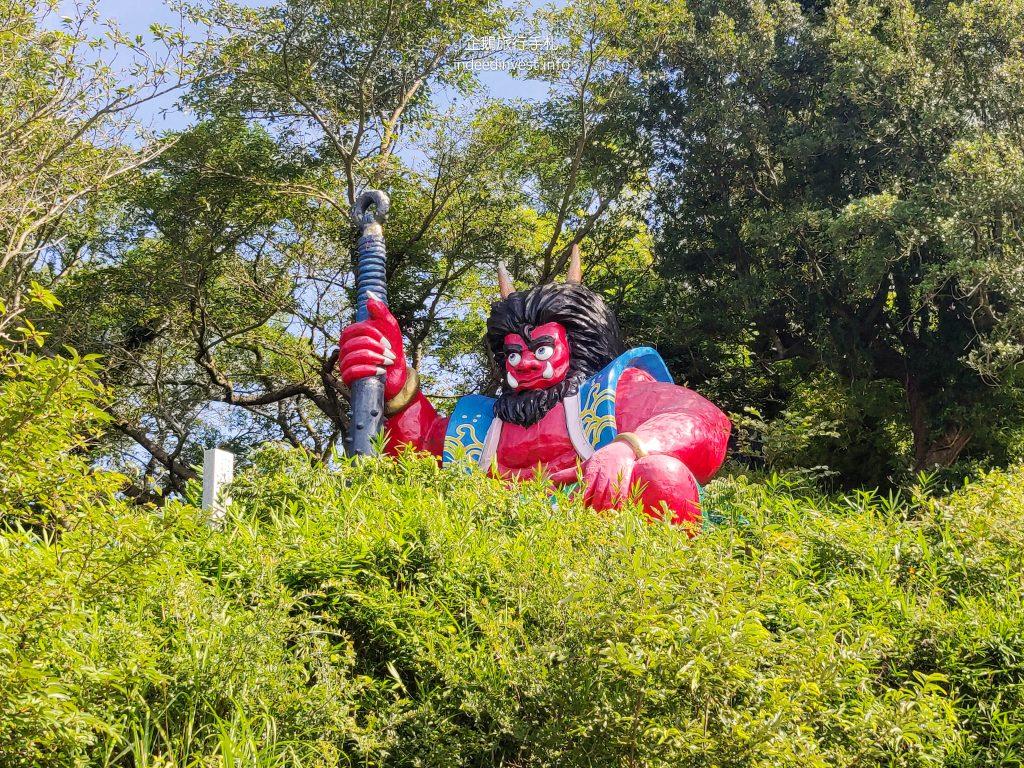 statue-ghost-cave-megi-island-1