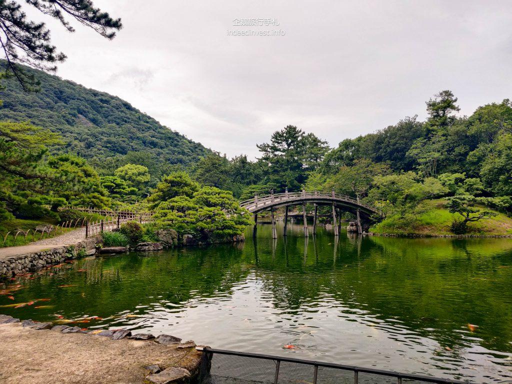 famous-bridge-ritsurin-garden
